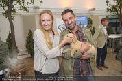 Milka - lila liebt grün - Palmenhaus - Fr 25.09.2015 - Patrizia KAISER, Fadi MERZA mit Hund Mia39