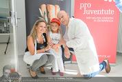 Promi Brioche Flechtwettbewerb - Brotwax - Mo 28.09.2015 - Kurt MANN mit Joanna und Tochter Tamara17