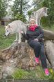 Wolf Experience - Wolfsgehege Ernstbrunn - Mi 30.09.2015 - Susanna HIRSCHLER mit W�lfen, Wolf15