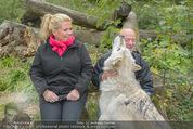 Wolf Experience - Wolfsgehege Ernstbrunn - Mi 30.09.2015 - Susanna HIRSCHLER, Andy LEE LANG mit W�lfen, Wolf9