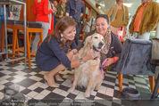Wüstenrot Pressegespräch - Motto am Fluss - Di 06.10.2015 - Susanne RIESS, Doris KIEFHABER mit Hund Niki12