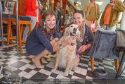 Wüstenrot Pressegespräch - Motto am Fluss - Di 06.10.2015 - Susanne RIESS, Doris KIEFHABER mit Hund Niki13