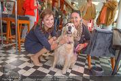 Wüstenrot Pressegespräch - Motto am Fluss - Di 06.10.2015 - Susanne RIESS, Doris KIEFHABER mit Hund Niki14