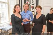 Palmers by Lena Hoschek - Mezzanin - Mi 07.10.2015 - Susanne STISSEN, Desiree TREICHL-ST�RGKH, Lena HOSCHEK17