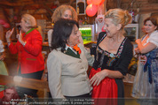 1. Wiener DamenWiesn - Wiener Wiesn Prater - Do 08.10.2015 - Regine SIXT, Michaela KLEIN143