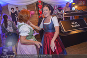 1. Wiener DamenWiesn - Wiener Wiesn Prater - Do 08.10.2015 - Eva P�LZL und Inge KLINGOHR tanzen150
