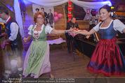 1. Wiener DamenWiesn - Wiener Wiesn Prater - Do 08.10.2015 - Eva P�LZL und Inge KLINGOHR tanzen151
