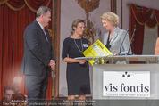 vis fontis Gründungsgala - Schloss Esterhazy - Fr 09.10.2015 - Maren HOFMEISTER �bergibt Spendenscheck96