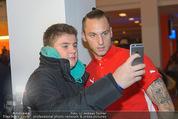 Österreich - Liechtenstein - Ernst Happel Stadion - Mo 12.10.2015 - Marko ARNAUTOVIC (Foto Selfie mit Fans)158