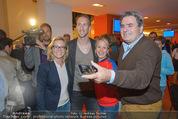 Österreich - Liechtenstein - Ernst Happel Stadion - Mo 12.10.2015 - Marc JANKO (Foto Selfie mit Fans)167