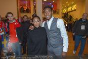 Österreich - Liechtenstein - Ernst Happel Stadion - Mo 12.10.2015 - David ALABA mit Schwester Rose May ALABA170