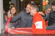Österreich - Liechtenstein - Ernst Happel Stadion - Mo 12.10.2015 - Teamchef Marcel KOLLER (Foto Selfie mit Fans)176