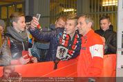 Österreich - Liechtenstein - Ernst Happel Stadion - Mo 12.10.2015 - Teamchef Marcel KOLLER (Foto Selfie mit Fans)177