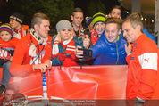 Österreich - Liechtenstein - Ernst Happel Stadion - Mo 12.10.2015 - Teamchef Marcel KOLLER (Foto Selfie mit Fans)178