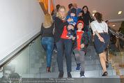 Österreich - Liechtenstein - Ernst Happel Stadion - Mo 12.10.2015 - Familie Christian Fuchs (Frau, Baby und Stiefsohn)179
