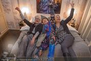 Charity Flohmarkt - Altstadt Hotel - Do 15.10.2015 - Claudia ST�CKL, Marianne KOHN, Inge PRADER9