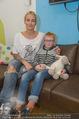 Sarah Connor Besuch - Ronald McDonald Kinderhilfehaus - Do 22.10.2015 - Sarah CONNOR mit Kasper17