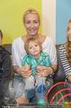 Sarah Connor Besuch - Ronald McDonald Kinderhilfehaus - Do 22.10.2015 - Sarah CONNOR mit Elias27