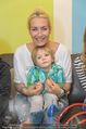 Sarah Connor Besuch - Ronald McDonald Kinderhilfehaus - Do 22.10.2015 - Sarah CONNOR mit Elias28