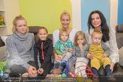 Sarah Connor Besuch - Ronald McDonald Kinderhilfehaus - Do 22.10.2015 - Sarah CONNOR, Sonja KLIMA mit Kindern32