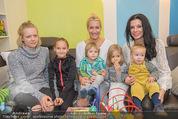 Sarah Connor Besuch - Ronald McDonald Kinderhilfehaus - Do 22.10.2015 - Sarah CONNOR, Sonja KLIMA mit Kindern33