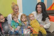 Sarah Connor Besuch - Ronald McDonald Kinderhilfehaus - Do 22.10.2015 - Sarah CONNOR, Sonja KLIMA mit Kindern36