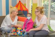 Sarah Connor Besuch - Ronald McDonald Kinderhilfehaus - Do 22.10.2015 - Sarah CONNOR38