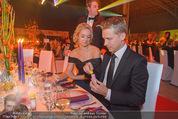 Ronald McDonald Gala - Marx Halle - Do 22.10.2015 - Sabine LISICKI, Oliver POCHER macht Seifenblasen101