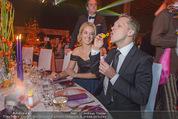 Ronald McDonald Gala - Marx Halle - Do 22.10.2015 - Sabine LISICKI, Oliver POCHER macht Seifenblasen102