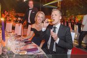 Ronald McDonald Gala - Marx Halle - Do 22.10.2015 - Sabine LISICKI, Oliver POCHER macht Seifenblasen105