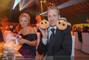 Ronald McDonald Gala - Marx Halle - Do 22.10.2015 - Sabine LISICKI, Oliver POCHER mit Stofftieren (Schildkr�ten)158