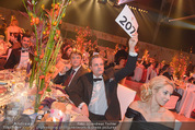 Ronald McDonald Gala - Marx Halle - Do 22.10.2015 - Andreas SCHWERLA beim Bieten206