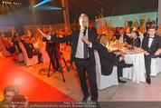Ronald McDonald Gala - Marx Halle - Do 22.10.2015 - Oliver POCHER bei Versteigerung279