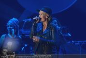 Ronald McDonald Gala - Marx Halle - Do 22.10.2015 - Sarah CONNOR (B�hnenfoto)358