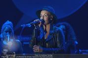 Ronald McDonald Gala - Marx Halle - Do 22.10.2015 - Sarah CONNOR (B�hnenfoto)359