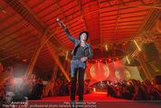 Ronald McDonald Gala - Marx Halle - Do 22.10.2015 - Sarah CONNOR (B�hnenfoto)366