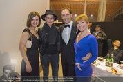 Ronald McDonald Gala - Marx Halle - Do 22.10.2015 - Christian KRPOUN, Sarah CONNOR backstage379