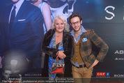 James Bond Spectre Kinopremiere - Cineplexx Wienerberg - Mi 28.10.2015 - Marika LICHTER mit Sohn Paul LICHTER21