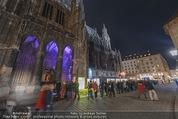 Electric Church - Stephansdom - Fr 13.11.2015 - Andrang, Menschenschlange vor der Kirche, vor dem Eingang23