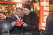 Heute Charitypunsch - Christkindlmarkt Stephansplatz - So 15.11.2015 - Christian SPATZEK, Andrea BUDAY13