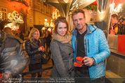 Heute Charitypunsch - Christkindlmarkt Stephansplatz - So 15.11.2015 - Roxanne RAPP, Volker PIESCZEK27