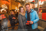 Heute Charitypunsch - Christkindlmarkt Stephansplatz - So 15.11.2015 - Roxanne RAPP, Volker PIESCZEK28
