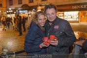 Heute Charitypunsch - Christkindlmarkt Stephansplatz - So 15.11.2015 - Verena PFL�GER, Heinz HANNER3