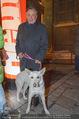 Heute Charitypunsch - Christkindlmarkt Stephansplatz - So 15.11.2015 - Richard LUGNER mit Hund30