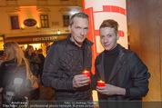 Heute Charitypunsch - Christkindlmarkt Stephansplatz - So 15.11.2015 - Alexander SCHIEL mit Freund Christoph32