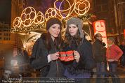 Heute Charitypunsch - Christkindlmarkt Stephansplatz - So 15.11.2015 - Amina DAGI, Katharina NAHLIK39