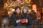 Heute Charitypunsch - Christkindlmarkt Stephansplatz - So 15.11.2015 - Amina DAGI, Katharina NAHLIK40