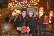 Heute Charitypunsch - Christkindlmarkt Stephansplatz - So 15.11.2015 - Amina DAGI, Katharina NAHLIK42