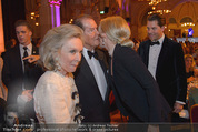 Look! Woman of the Year-Awards 2015 - Rathaus - Di 17.11.2015 - Sir Roger MOORE mit Ehefrau Lady Kristina, Kathrin GLOCK117