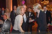 Look! Woman of the Year-Awards 2015 - Rathaus - Di 17.11.2015 - Sir Roger MOORE mit Ehefrau Lady Kristina, Kathrin GLOCK118
